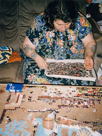 Richard Billingham - Mother Liz with a jigsaw (from Ray´s a laugh)