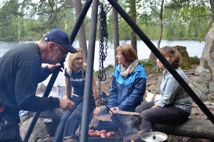 Lunch i vindskydded vid Bergtjärn