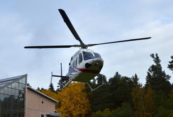 Helikotern Bell 429 landar