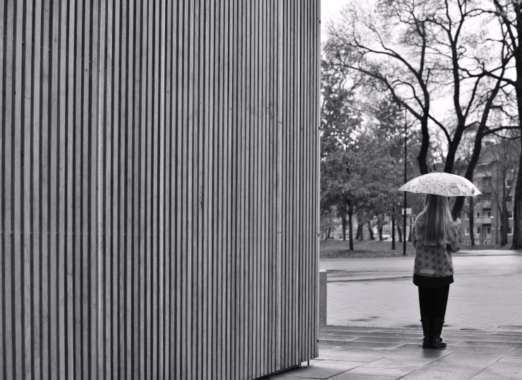 Flickan med paraplyet