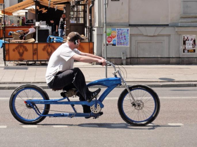 "Soft beach bike cruiser glider förbi ""Medis"""