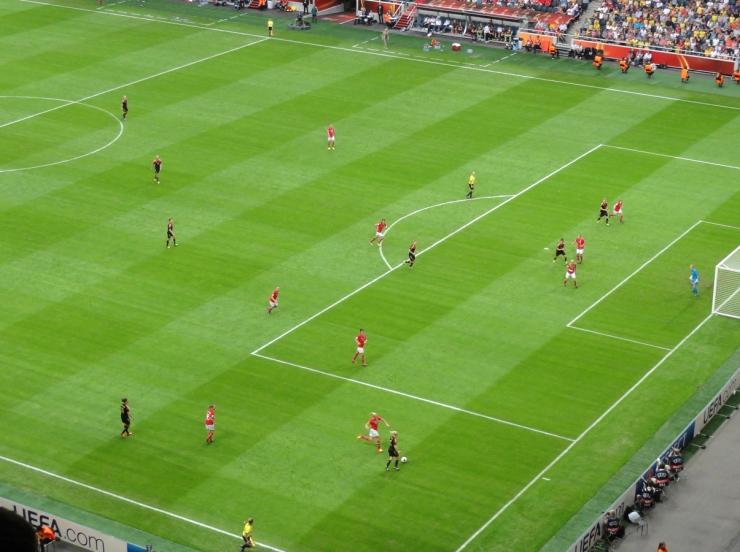 Tyskland i anfall mot Norges mål i EM-finalen