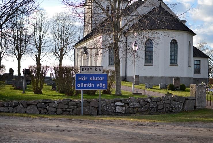 Här slutar allmän väg - Ekby kyrka