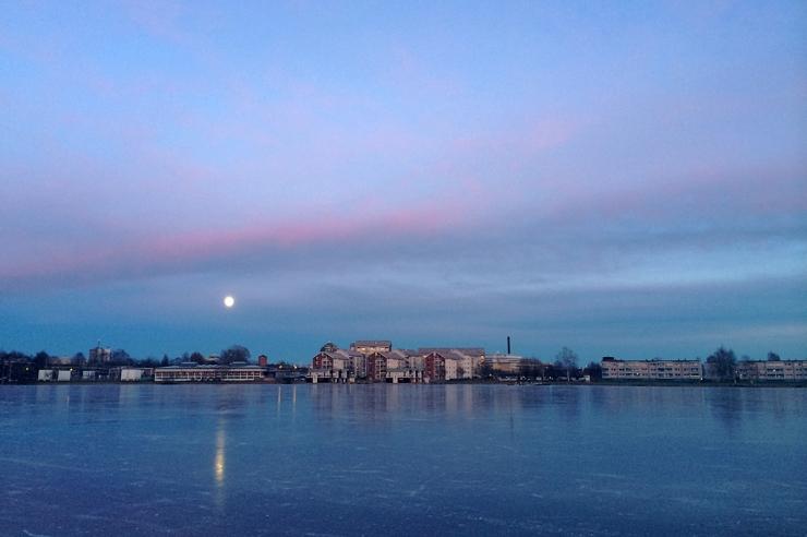 Månsken över Karlstad